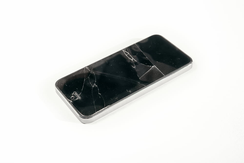 Pros and cons of using tempered glass for a cracked iPhone repair